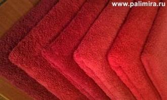 Оранжевое полотенце и полотенца различного оранжевого цвета