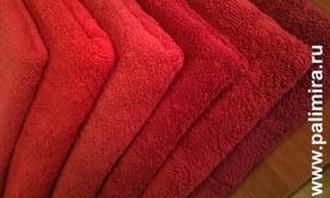 Красное полотенце от компании Пальмира