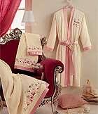 Махровые изделия полотенца халаты ткань